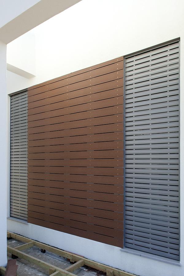 חיפוי קירות חיצוני מעץ איפאה