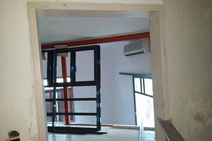 תכנון ובניית קומת גלריה בטיחותיים ומותאמים אישית