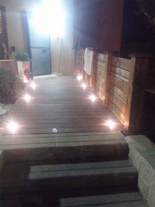 שילוב תאורה בחצר ובגינה