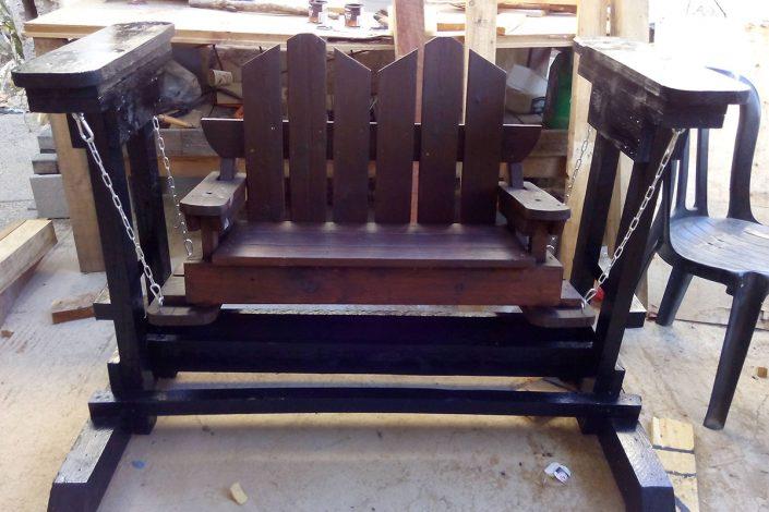 בניית כיסאות נדנדה בהתאמה אישית